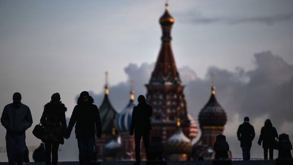 Un tercio de los rusos dice que la crisis durará más de tres años - Sputnik Mundo