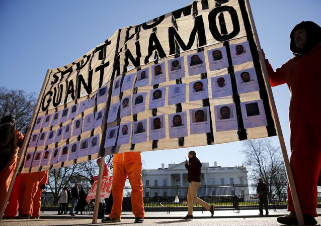 Manifestantes exigen el cierre de Guantánamo