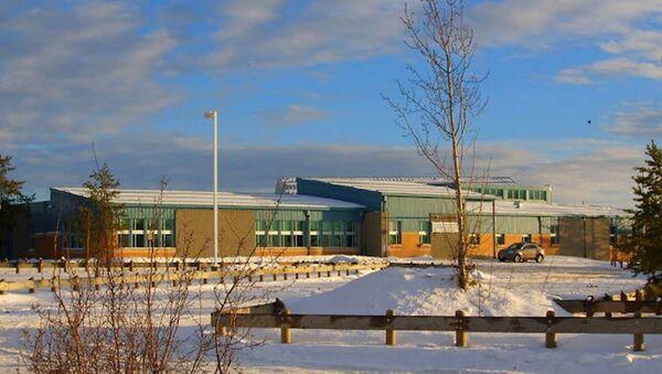 La escuela donde tuvo lugar el tiroteo - Sputnik Mundo