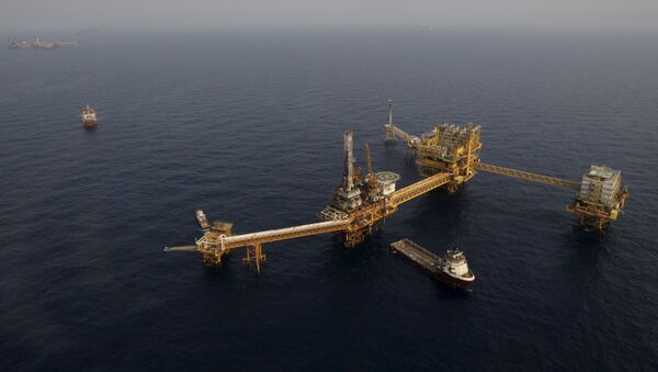 Plataforma petrolera de Pemex en la Sonda de Campeche, México - Sputnik Mundo