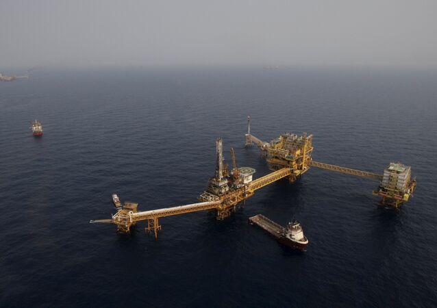 Plataforma petrolera de Pemex en la Sonda de Campeche, México