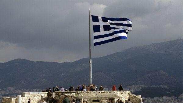Греческий флаг на смотровой площадке Акрополя - Sputnik Mundo