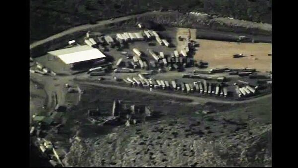 Los camiones cisterna de Daesh (archivo) - Sputnik Mundo