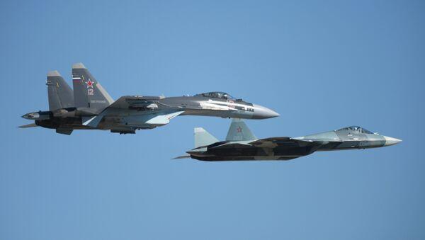 Cazas rusas Su-35S y T-50 - Sputnik Mundo