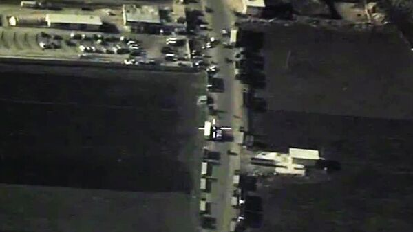 Los camiones cisterna de Daesh en la frontera turco-siria - Sputnik Mundo