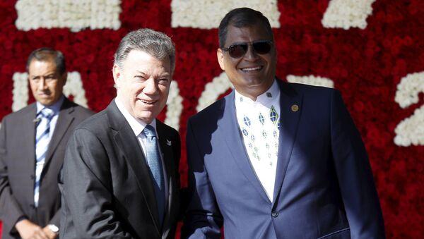 Juan Manuel Santos, presidente de Colombia, y Rafael Correa, presidente de Ecuador (archivo) - Sputnik Mundo