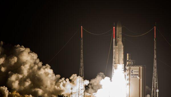 Lanzamiento del cohete Ariane 5 (Archivo) - Sputnik Mundo