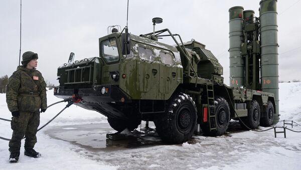 Sistema de misiles antiaéreos S-400 Triumf - Sputnik Mundo