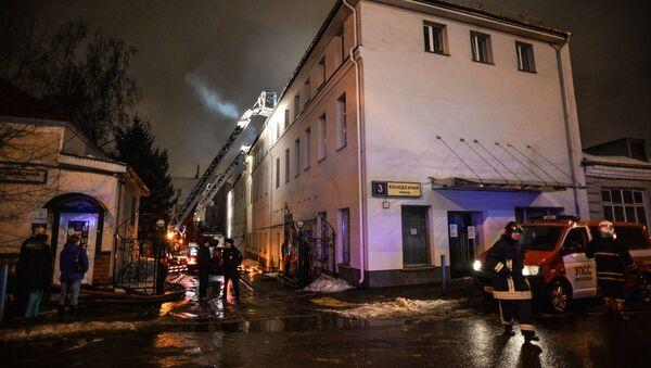 Пожар на швейном предприятии на востоке Москвы - Sputnik Mundo