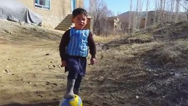 El pequeño Messi afgano - Sputnik Mundo