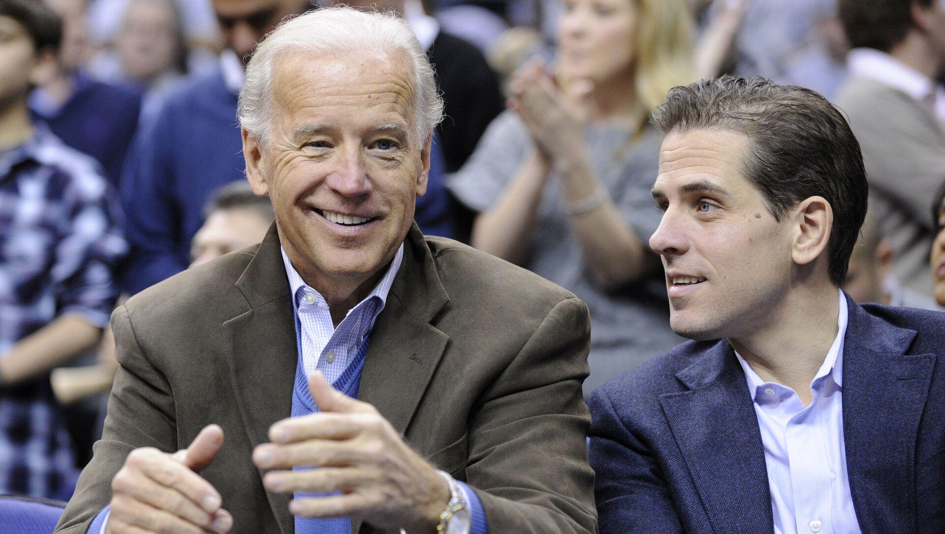 Joe Biden, el vicepresidente de EEUU, con su hijo, Hunter Biden - Sputnik Mundo, 1920, 01.02.2016