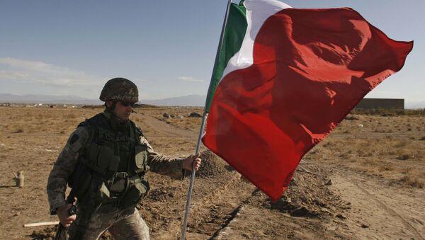 Soldado del ejército italiano - Sputnik Mundo