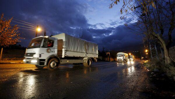 Un convoy humanitario en Siria - Sputnik Mundo