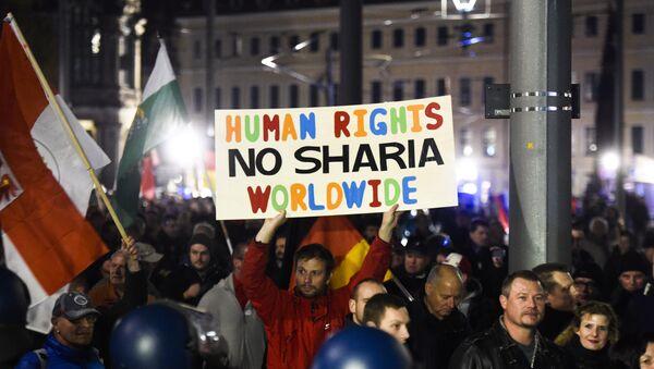 Manifestación de Pegida en Dresde - Sputnik Mundo