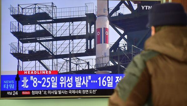 Corea del Norte da por exitoso el lanzamiento del misil de largo alcance - Sputnik Mundo