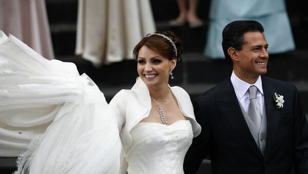 La boda del presidente de México, Enrique Peña, con Angélica Rivera - Sputnik Mundo