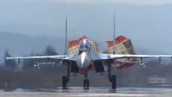 Los aviones de combate Sukhoi siguen presionando a Daesh desde Latakia - Sputnik Mundo