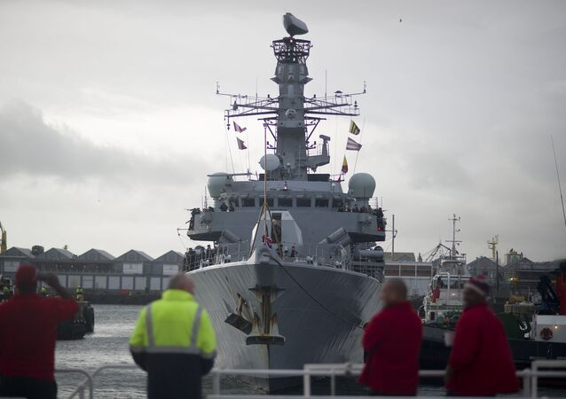 Embarcación de la Armada del Reino Unido