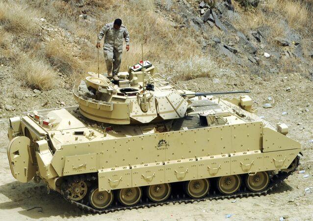 Un vehículo blindado de Arabia Saudí