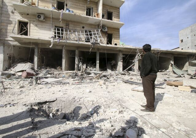 Edificios destruidos por bombardeos en Alepo (Archivo)