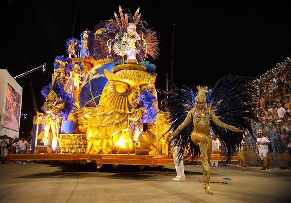 El Desfile de las escuelas de samba en Río de Janeiro - Sputnik Mundo