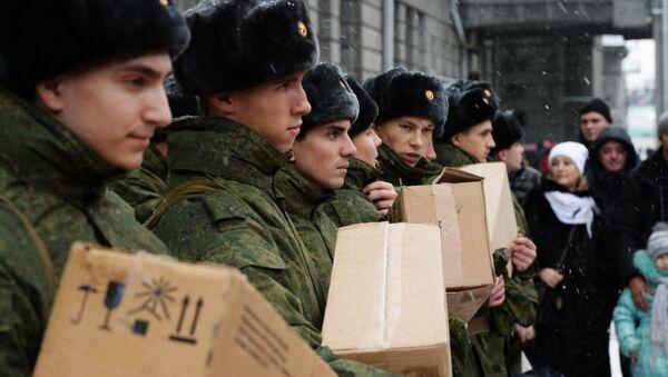 Soldados rusos con la ración de combate - Sputnik Mundo