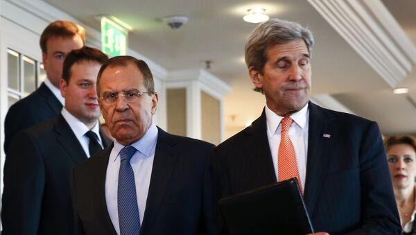 Ministro de Exteriores de Rusia, Serguéi Lavrov y secretario de Estado de EEUU, John Kerry - Sputnik Mundo