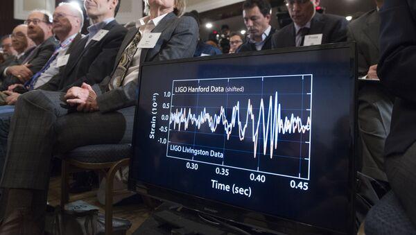 Presentación de las ondas gravitacionales - Sputnik Mundo