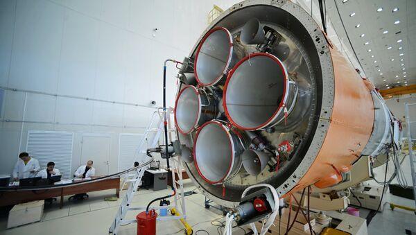 Preparación para el lanzamiento del cohete Soyuz-2 - Sputnik Mundo