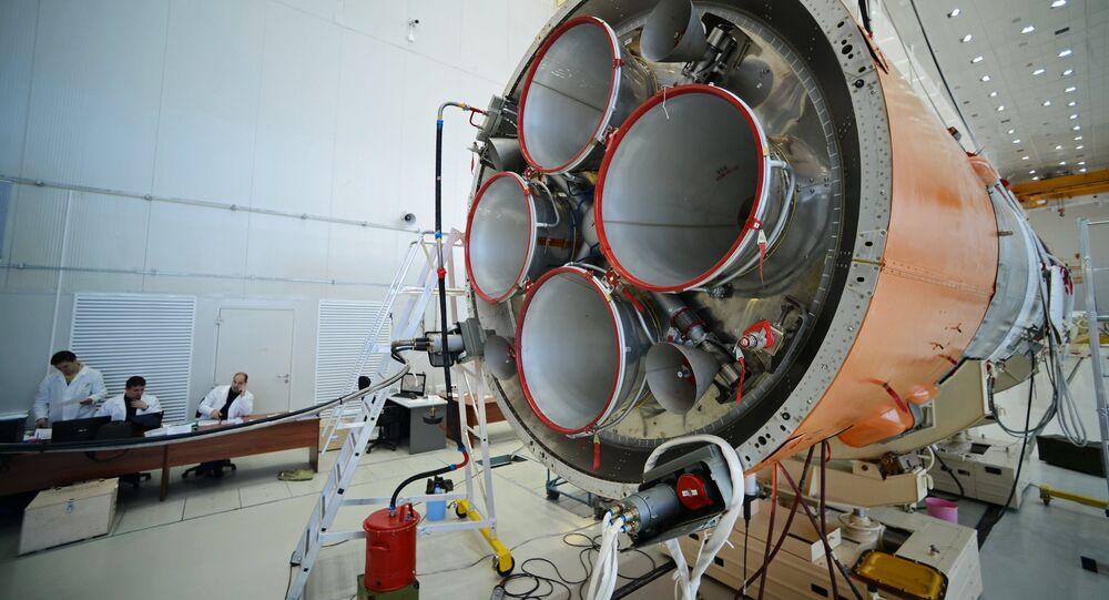 Preparación para el lanzamiento del cohete Soyuz-2