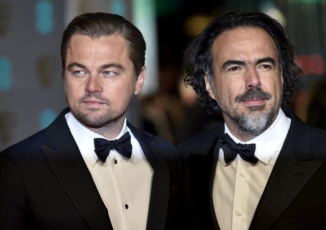 Leonardo DiCaprio y Alejandro González Iñárritu, director de la película El renacido