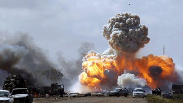 Bombardeos de la coalición en Libia en 2011 - Sputnik Mundo
