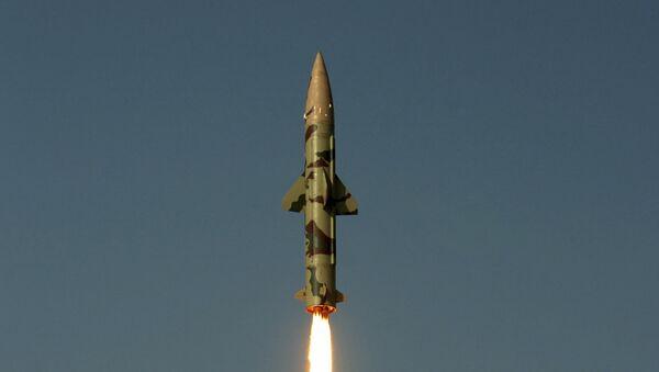Lanzamiento del misil balístico Prithvi-II en 2010 - Sputnik Mundo