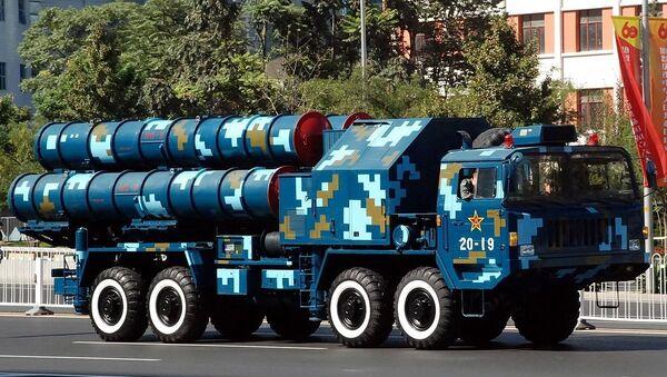 Sistema antiaéreo chino HQ-9 durante un desfile militar (archivo) - Sputnik Mundo