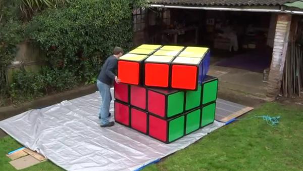 Un cubo de Rubik gigante - Sputnik Mundo