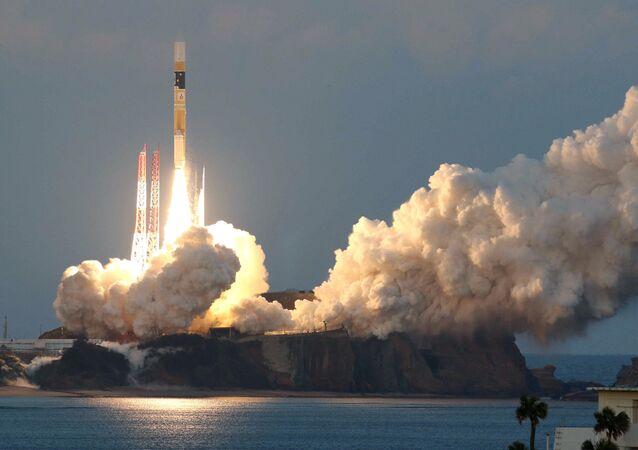 Lanzamiento del cohete japonés H2A con un satélite astronómico Astro-H (archivo)