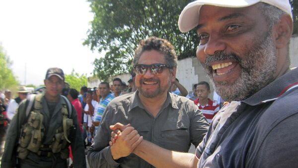 Iván Márquez, uno de los comandantes de las FARC, durante la campaña por la paz en La Guajira - Sputnik Mundo