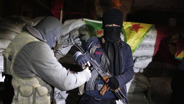 Milicianos kurdos - Sputnik Mundo