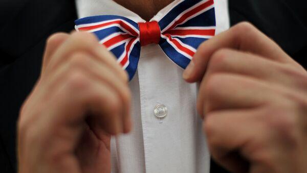 Corbata de lazo con la bandera del Reino Unido - Sputnik Mundo