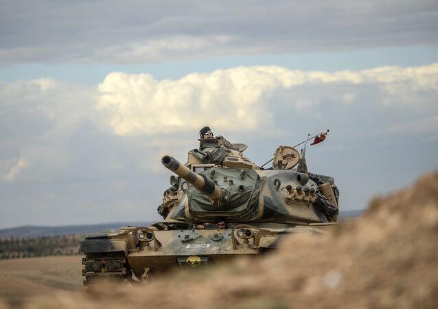 Tanque turco (archivo)
