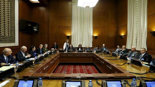 La mesa de negociaciones sobre Siria - Sputnik Mundo