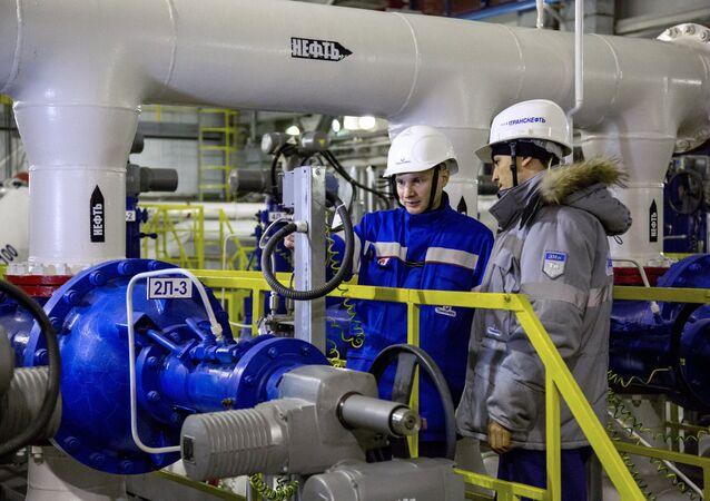 Extracción de crudo en Rusia (archivo)