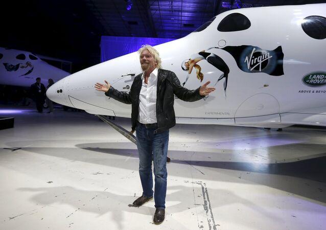 Richard Branson durante la presentación de la nave SpaceShipTwo Unity