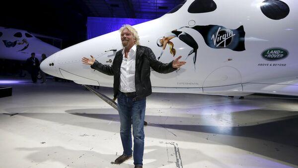 Richard Branson durante la presentación de la nave SpaceShipTwo Unity - Sputnik Mundo