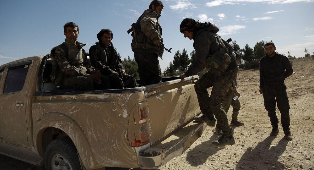 Milicianos sirios en la ciudad de Chaddade, Hasaka