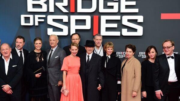 El equipo de la película Puente de espías en Berlín - Sputnik Mundo