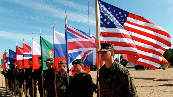 Soldados de la OTAN asisten a ceremonia de apertura 'Saber Strike 2015' - Sputnik Mundo