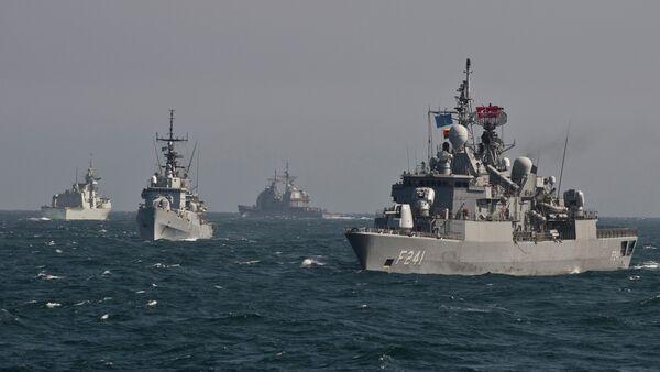 War ships of  NATO take part in a military drill on the Black Sea - Sputnik Mundo