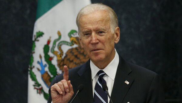 U.S. Vice President Joe Biden delivers a speech - Sputnik Mundo