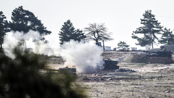 Los tanques turcos cerca de la frontera con Siria (archivo) - Sputnik Mundo